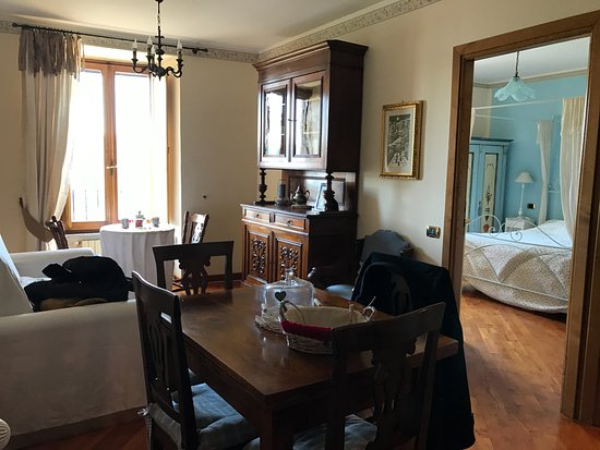 B&B Ripa Medici Rooms with a View: DINING & LIVING ROOM WITH A VIEW