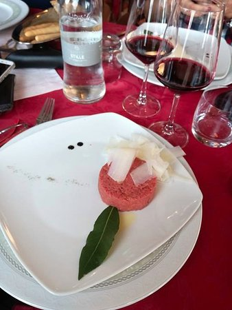 Neive, İtalya: battuta di fassone