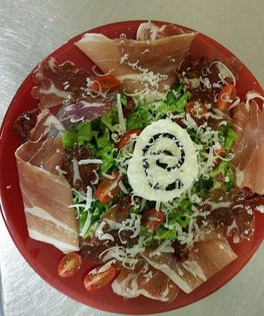 Lembeye, Francia: Salade italienne