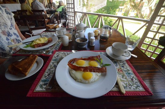 Dining at the Hermitage: Smiley breakfast