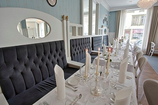 Grand Hotel Egersund: Breakfast, lunch or dinner? Welcome! We offer the best and most delicious food Egersund can offe