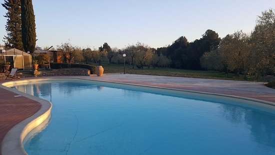 Villa Le Torri: La piscina
