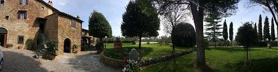Villa Le Torri: Esterni della villa
