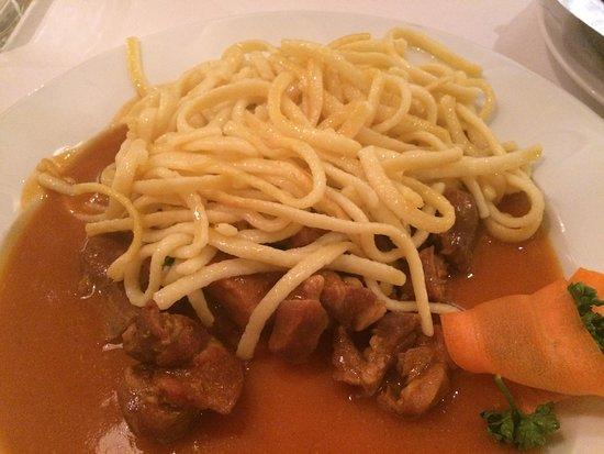 Hotel Cafe - Restaurant Steffens: Gulasch mit Spätzle