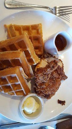 Smyrna, GA: Chicken and waffles