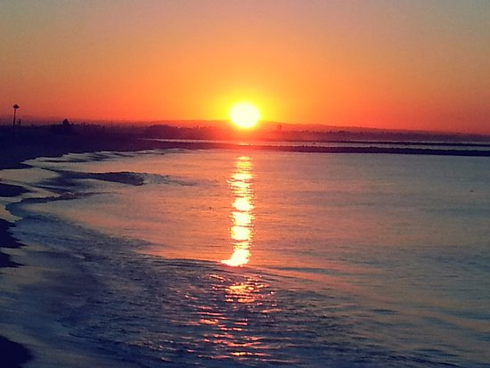 Seal Beach, Californien: Sunrise from the Pier
