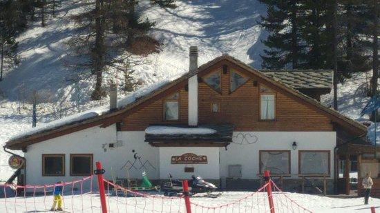 Restaurant La Cloche : EN HAUT DU TELESIEGE A 100 METRES