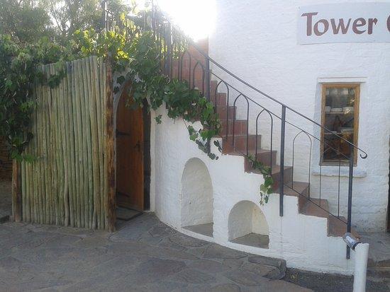 Nieu-Bethesda, Νότια Αφρική: way up to the room bathroom bottom left