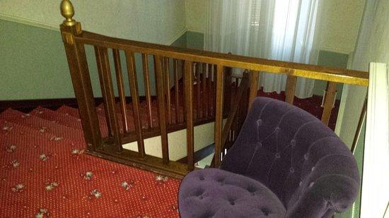 Hotel Camerlengo: scale dal piano 2°