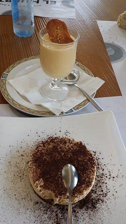 Perillo, España: natillas y tiramisú