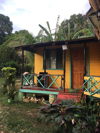Bluefields, Jamaica: authentic cottage!
