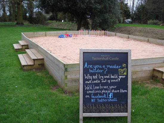 Tattershall, UK: Build your own castle!