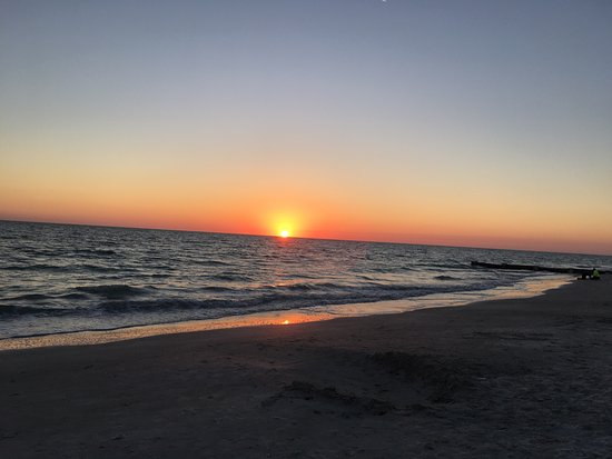 Madeira Beach: Sunset at Archibald Park