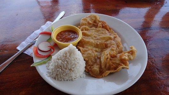 Punta Sur: File de peixe frito com 2 acompanhamentos