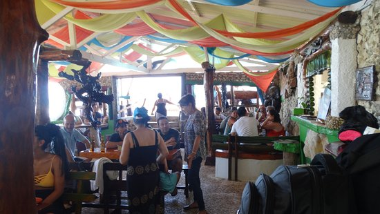 Punta Sur: Interior do restaurante