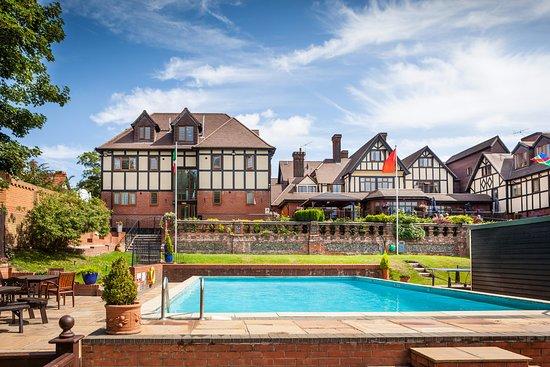 Photo of De Rougemont Manor Brentwood