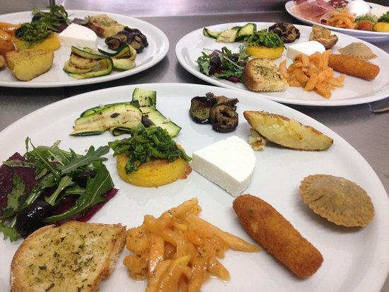 Nusco, Italien: antipasto vegetariano