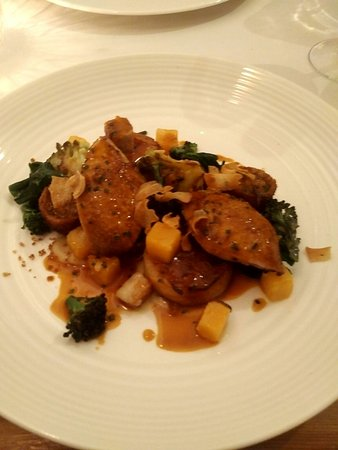 Hassocks, UK: Quail and potato fondant main course