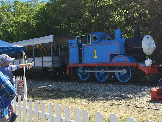 Parrish, Flórida: Thomas the Train Engine arriving at the station.