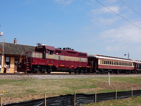 "Grapevine Vintage Railroad : 1953 GP-7 ""Vinny"""