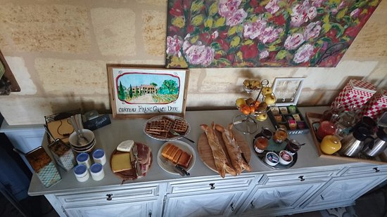 Château Franc Grâce-Dieu : Petit déjeuner