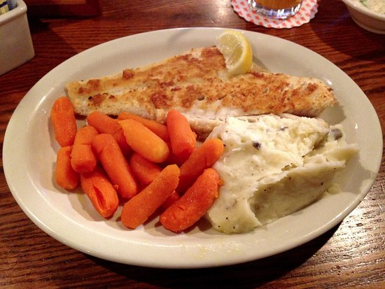 East Windsor, Коннектикут: Cracker Barrel - Excellent Haddock Meal