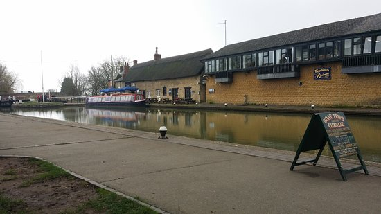 Stoke Bruerne, UK: The Boat House Restaurant