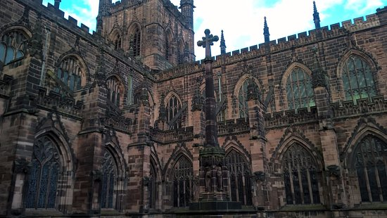 Premier Inn Chester City Centre Hotel: Chester Cathedral