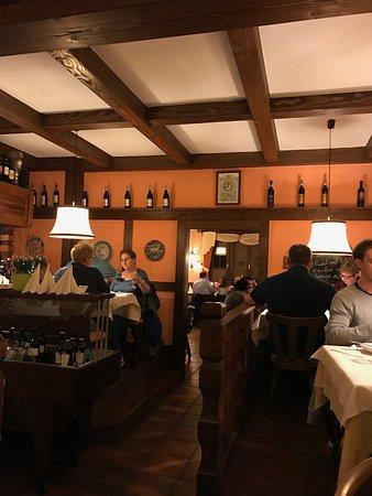 Burstadt, Germany: Innenraum