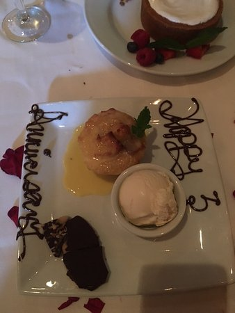Lake Mary, Floryda: Free Desert for our Anniversary