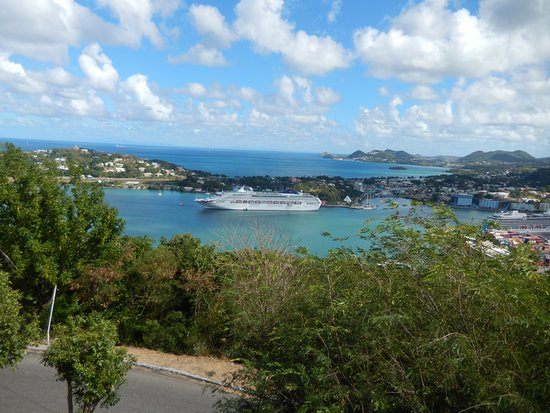 Morne Fortune: View over the cruise port