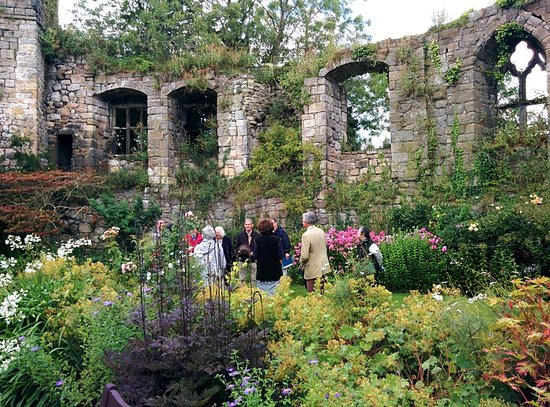 Cockermouth, UK: Inside the castle and gardens