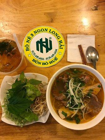 Long Hai, เวียดนาม: Món bún bò huế tại 3 Ngon quán