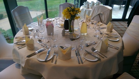 wedding table setting picture of overstone park hotel overstone