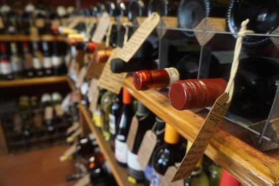 Llanrwst, UK: Blas ar Win - We are an accredited wine merchant