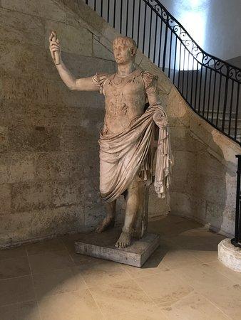 Auch, France: Empreur Trajan