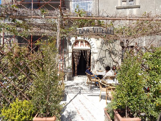 Savoca, Italy: bar