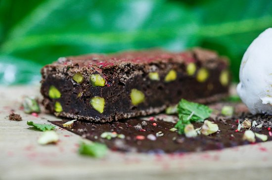 Henley-on-Thames, UK: Chocolate & Pistachio Brownie