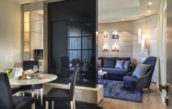 Suite Nautico - Soggiorno e salotto - Picture of Nautico Hotel ...
