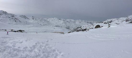 Savoie, Frankrijk: Ski slope and landscape