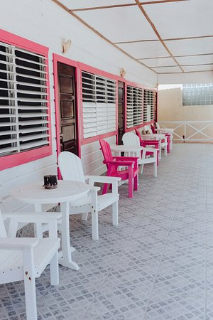 Conch Shell Inn: Second floor balcony