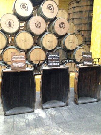 La Rojeña: Barriles de tequila