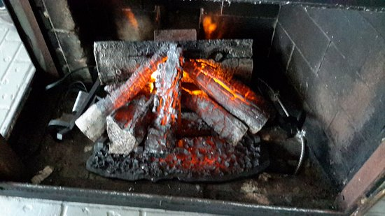 Malahat, Canada: Electric flame less fireplace
