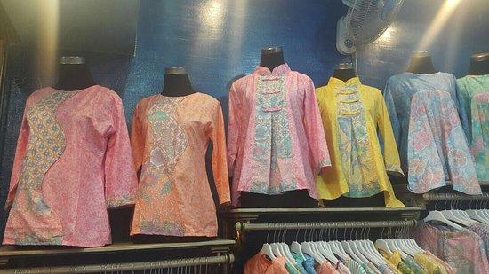 Dari suatu toko di PGB Setono. - Picture of Pusat Grosir Batik Setono 3cd25fe0da