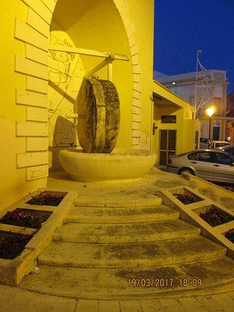 Tuglie, Italia: Macina da frantoio.