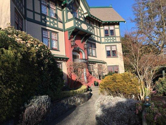 أبيجيلز هوتل: Outside view of hotel/inn