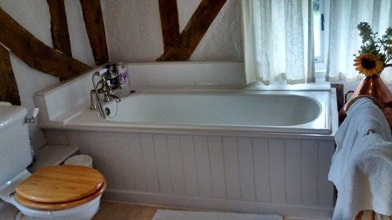 Stradbroke, UK: Excellent bath