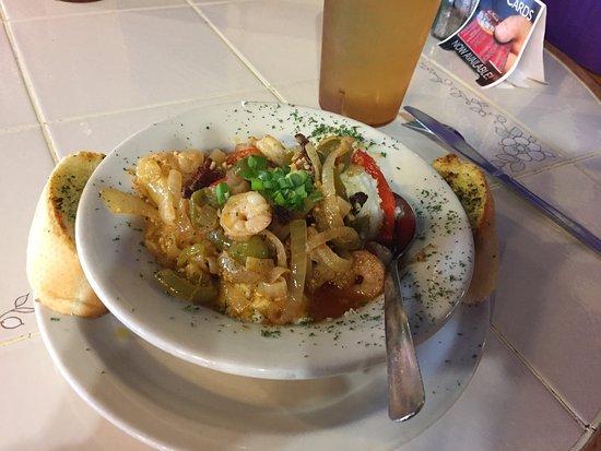 มาร์เบิลฟอลส์, เท็กซัส: Shrimp & grits plus yummy desserts!