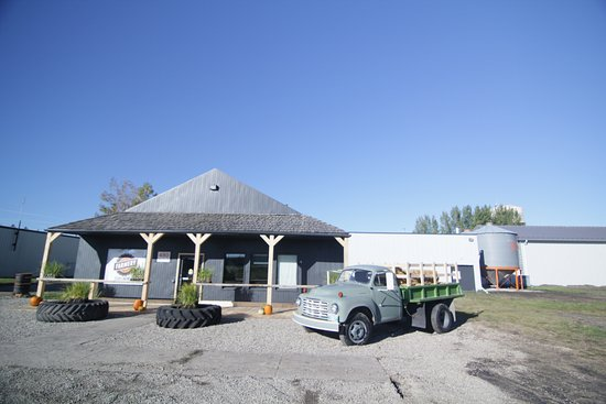 Neepawa, Canada: Farmery Estate Brewery, keep an eye out for our antique truck in a parade near you!