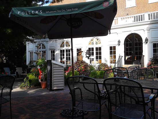 Lititz, PA: Tastefully Landscaped Patio Dining Sets The Tone For A Very Romantic Dining Experience!